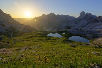 Italien, Dolomiten, Drei Zinnen bei Sonnenaufgang