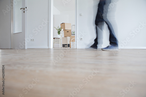 Frau zu Fuß