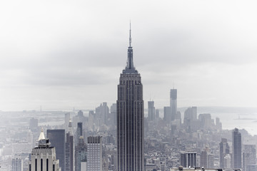USA, New York, Blick auf Empire State Building und die Skyline