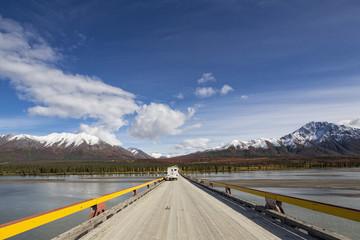USA, Alaska, Denali Highway überqueren Susitna River