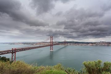 Panoramica de Lisboa com a Ponte 25 de Abril