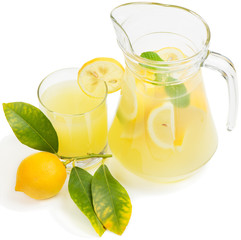 lemon juice with lemon fruit