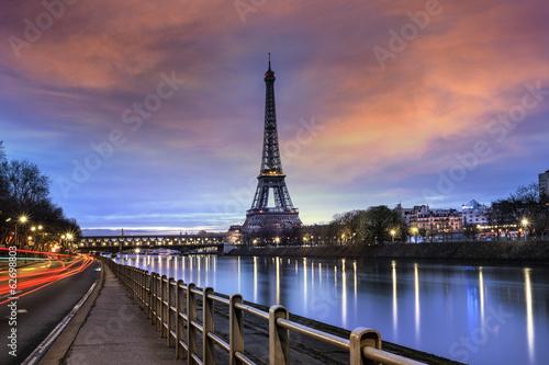 Tour Eiffel Paris et Pont Bir-Hakeim - 62698803