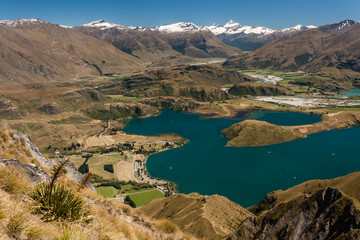 lake Wanaka in Mount Aspiring National Park