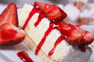 delicious cheesecake with fresh strawberries and coconut
