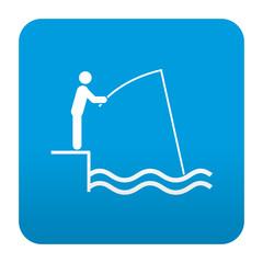Etiqueta tipo app azul simbolo pescador en muelle