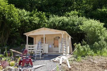 Deutschland, Rheinland-Pfalz, Bau von Gartenhaus