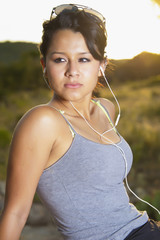 USA, Texas, Teenager-Mädchen mit Kopfhörern