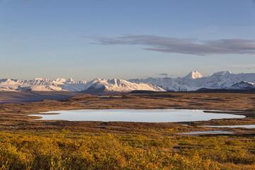 USA, Alaska, Ansicht der Landschaft im Herbst, Alaska Range im Hintergrund