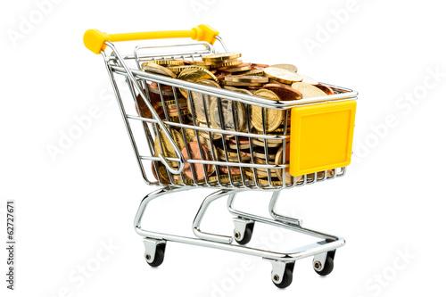 Einkaufswagen und Euromünzen