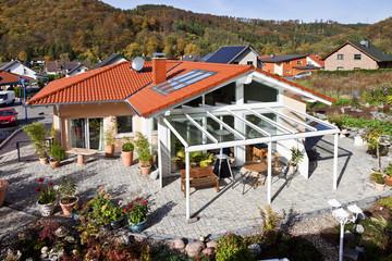 Deutschland, Rheinland-Pfalz, Bau von Glasdach