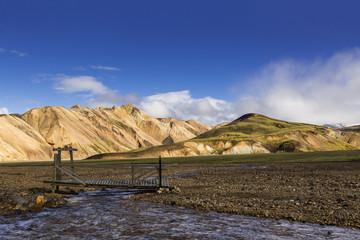 Island, Sudurland, Region Landmanalauger, Brücke und Fluss