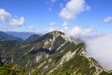 Deutschland, Bayern, Blick vom Herzogstand zum Heimgarten