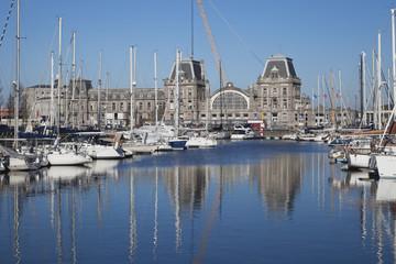 Belgien, Oostende, Ansicht des Hafens in Nordsee