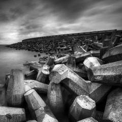 Vereinigtes Königreich, Schottland, East Lothian, Torness, Beton wavebreakerView Meer mit Beton