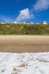 England, Blick auf Strand von Bournemouth und Mansion im Hintergrund