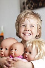 Deutschland, Mädchen mit ihren Puppen
