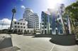 Deutschland, Düsseldorf, Gehry-Bauten und Fernsehturm am Medienhafen
