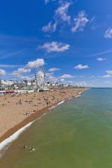 England, Sussex, Brighton, Blick auf Strand und Riesenrad im Hintergrund