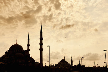 Türkei, Istanbul, Ansicht von Moscheen gegen Himmel