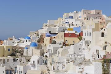Griechenland, Blick auf Dorf Oia auf Santorini