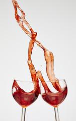 Rotwein in Weingläser
