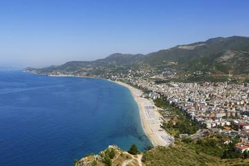 Türkei, Alanya, Ansicht der Kleopatra-Strand und Schloss im Hintergrund