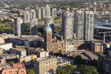 Kanada, British Columbia, Vancouver, Blick auf Hochhäuser mit Sun Tower