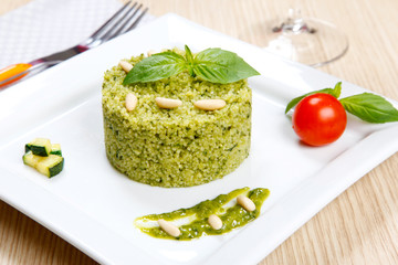 Couscous wit pesto genoese