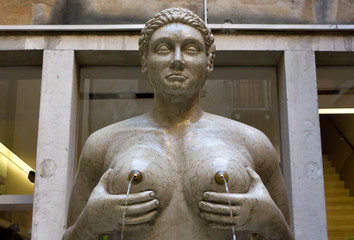 Fountain of the Tits in Treviso, Italy