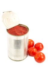Tomato sauce with cherry tomatoes