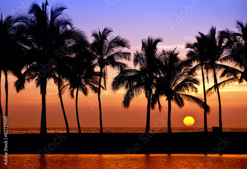 Foto op Plexiglas Eiland Hawaiian sunset on Big Island, Anaehoomalu Bay