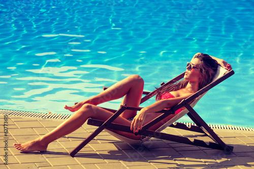 sunbath - 62773615