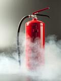 Feuerlöscher im Rauch