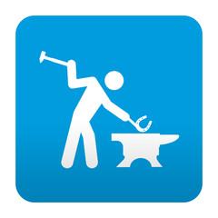 Etiqueta tipo app azul simbolo herrero