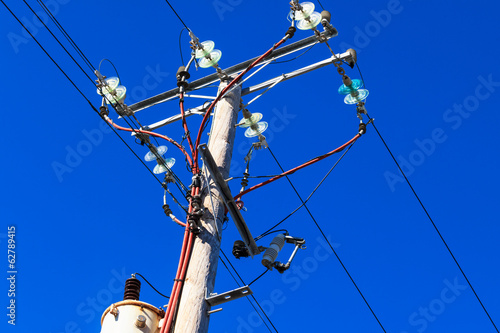 a post with electrical wires