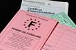 permis de conduire, et papier d'identié du véhicule