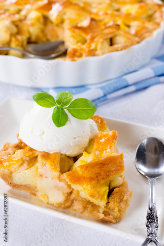 Traditioonal apple pie