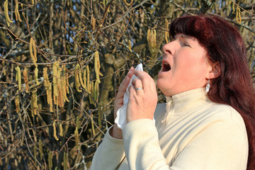 Heuschnupfen mit heftigem Niesen