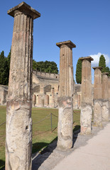 Doric columns in the gladiator barracks, Pompeii