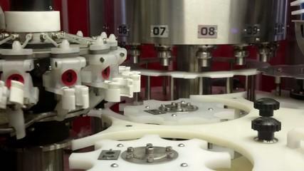 Фрагмент упаковочного механизма в действии