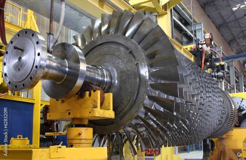 Leinwanddruck Bild Turbine rotor at workshop