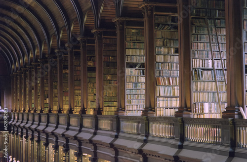 Trinity College Library Dublin - 62838280