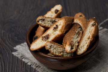 biscotti with raisins in a bowl