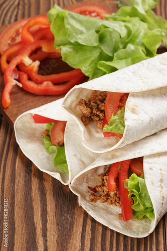 tortilla wraps with beef and vegetables