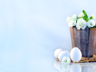 Primeltopf mit Ostereiern