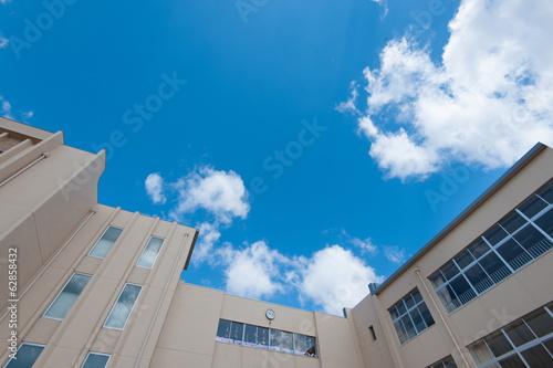 校舎と青空 - 62858432