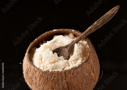 Coconut flour Gluten-Free and  bowl of coconut