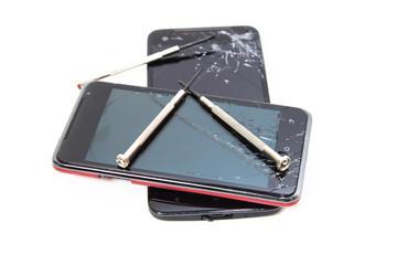 分解修理のスマートフォン