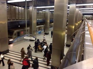 московское метро,прибытие поезда